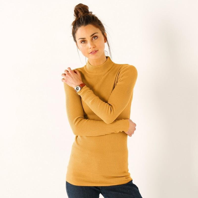 Jednobarevný pulovr se stojáčkem