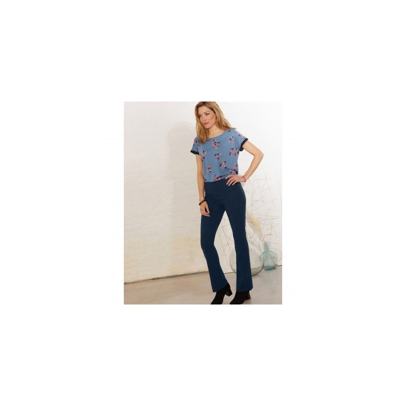 Bootcut strečové nohavice pre vyššiu postavu