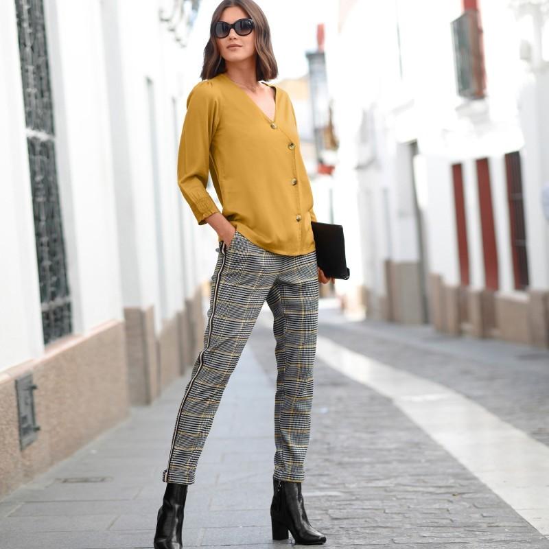 Kockované nohavice s kontrastnými lampasmi
