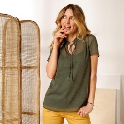 Jednobarevná košilová halenka