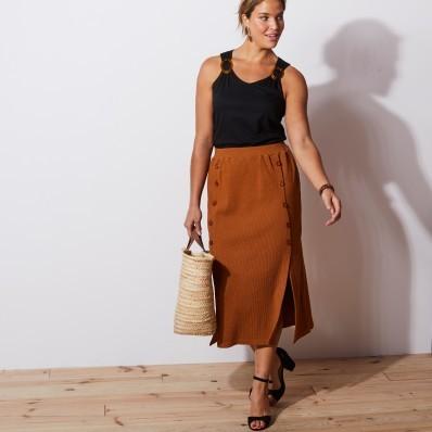 Polodlouhá žebrovaná sukně, karamelová