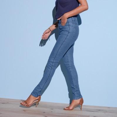 Predlžujúce džínsy