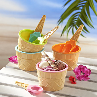 4 zmrzlinové poháry + 4 lžičky