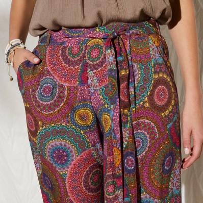 Široké kalhoty s potiskem