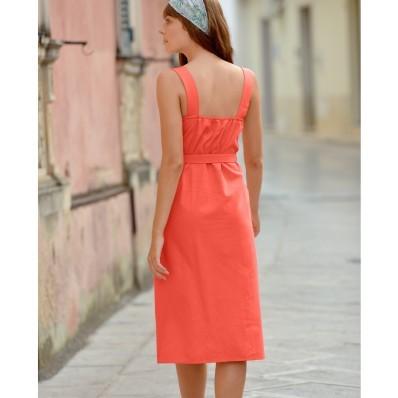Šaty se čtvercovým výstřihem