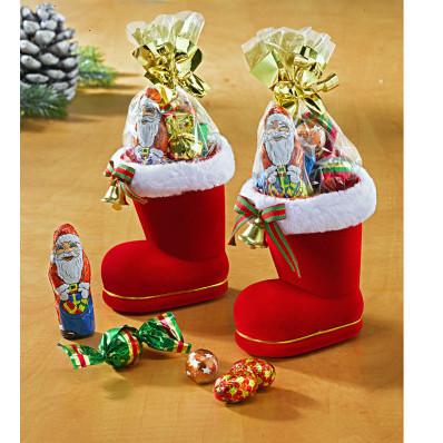 2 topánky Santa Clausa plnené cukrovinkami