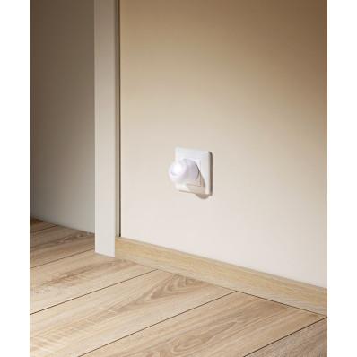 LED nočná lampička so stmievacím senzorom