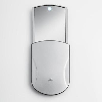 Kapesní zrcátko s LED světlem