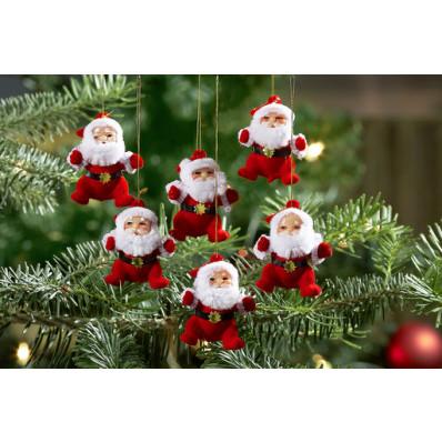 6 Santa Clausov