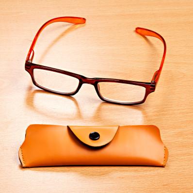 Olvasószemüveg kerettel