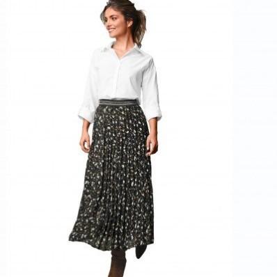 Dlouhá plisovaná sukně