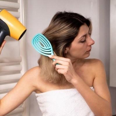 Špeciálna kefa na fúkanie vlasov