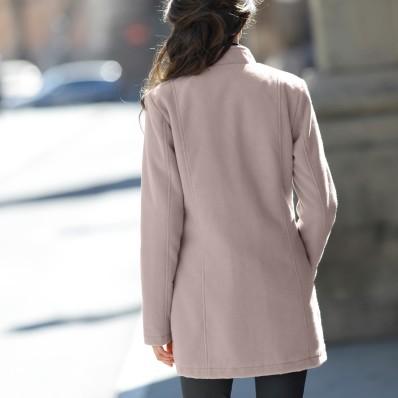 Prošívaný kabát v členitém střihu