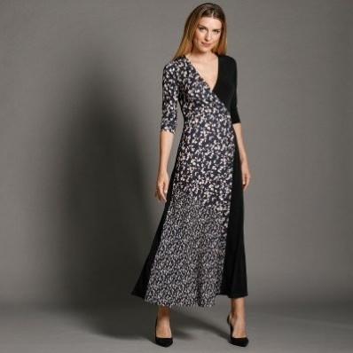 Dlouhé šaty s překříženým výstřihem