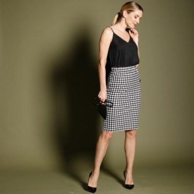 Rovná sukně ze žakárového úpletu