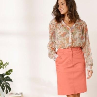 Jednofarebná rovná sukňa