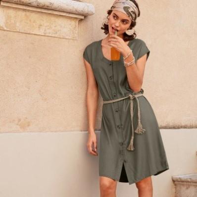 Vzdušné safari šaty