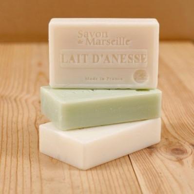 Mýdlo aloe vera + oslí mléko + karité máslo