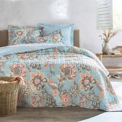 Oboustranný prošívaný přehoz na postel