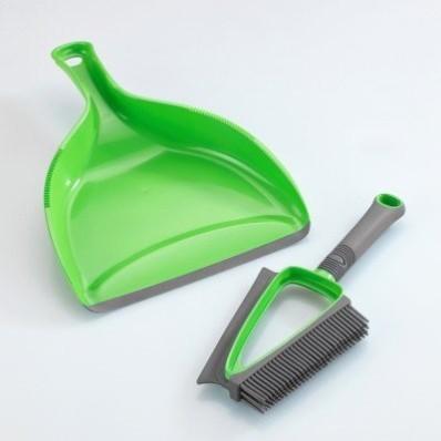 Zametacia súprava na prach a tekutiny