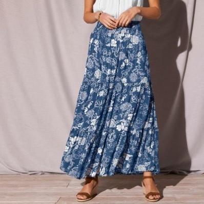 Kreponová dlouhá sukně s volány a potiskem