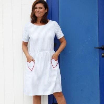 Pruhované rozšírené šaty