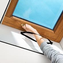 Síť proti hmyzu na střešní okno, černá