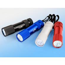 Kieszonkowa latarka LED