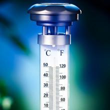 Solarny termometr ogrodowy