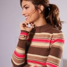 Žebrovaný pruhovaný pulovr s dlouhými rukávy