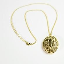 Naszyjnik z medalionem
