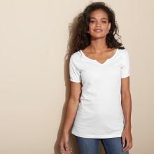 Jednobarevné tričko s tuniským výstřihem