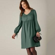 Jednofarebné rozšírené šaty s dlhými rukávmi