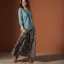 Dlhá sukňa s etno vzorom