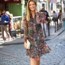 Šaty s barevným potiskem
