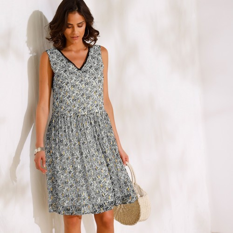 Krátke šaty bez rukávov