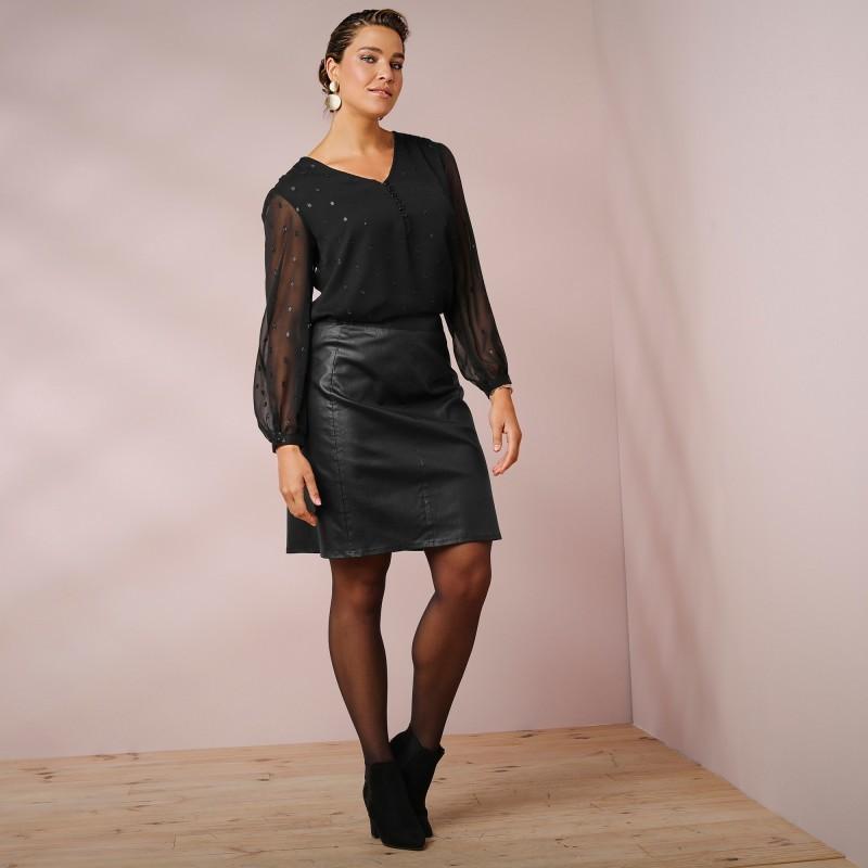 Koženková sukňa s členitým strihom