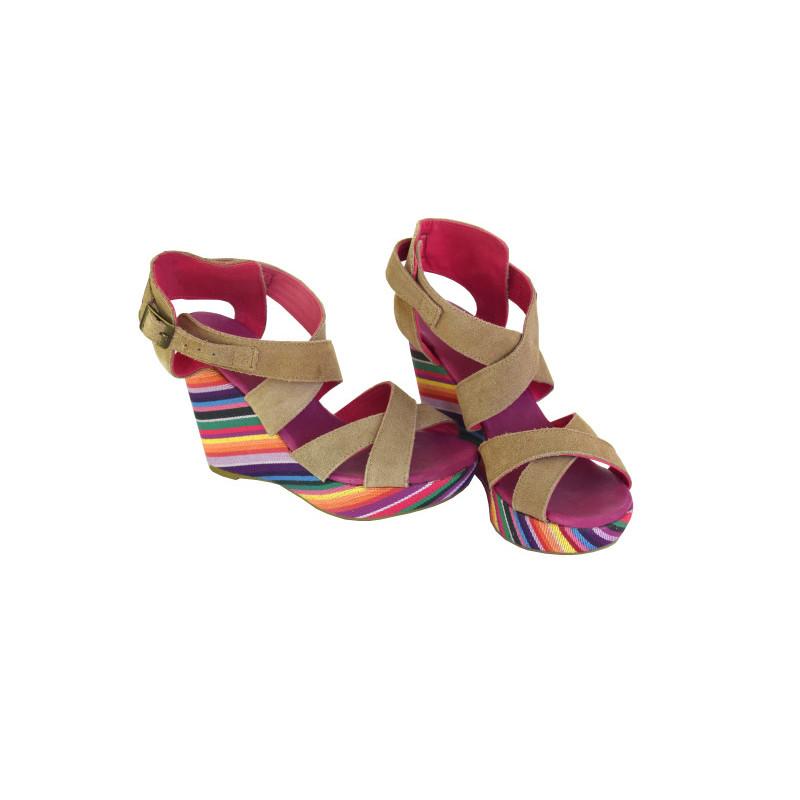 Klínové sandály