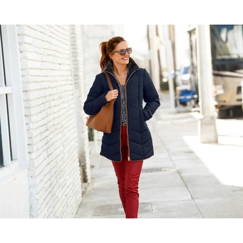 Krátká bunda s aspektem kožešiny