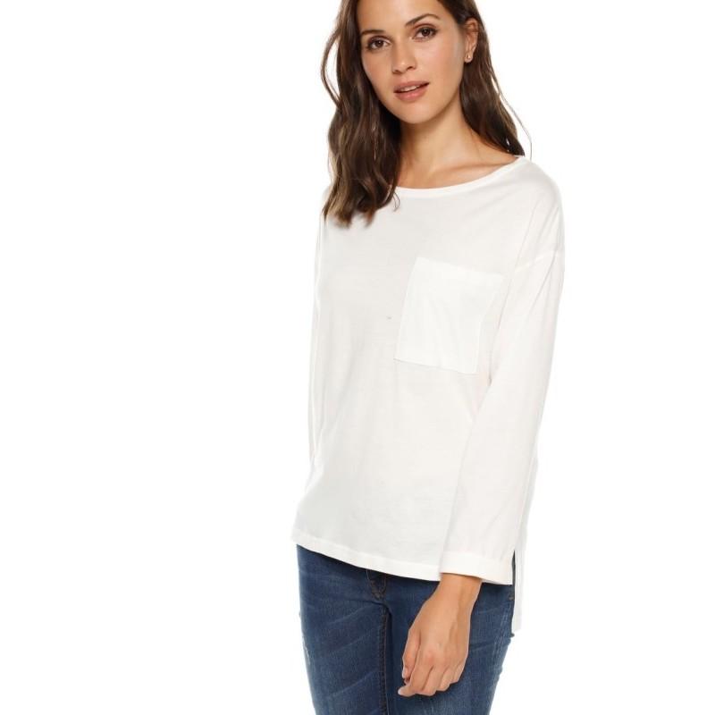 Asymetrické tričko s našitým vreckom
