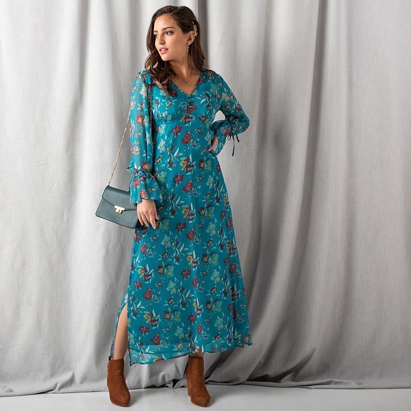 Dlouhé šaty s volány