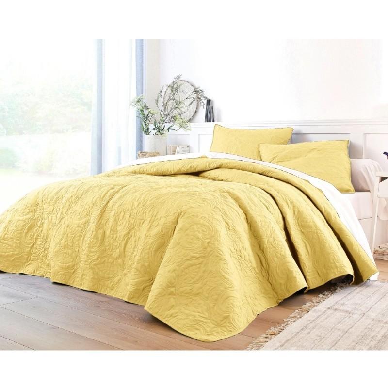 Přehoz na postel nebo povlak na polštář
