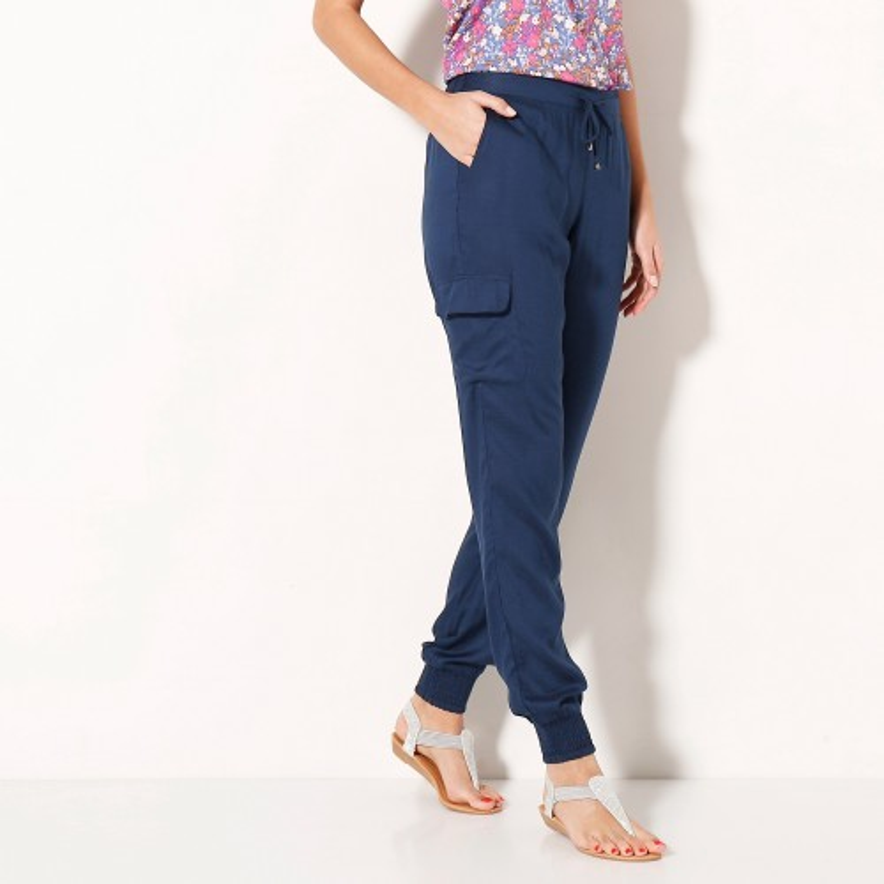 Vzdušné jednobarevné kalhoty