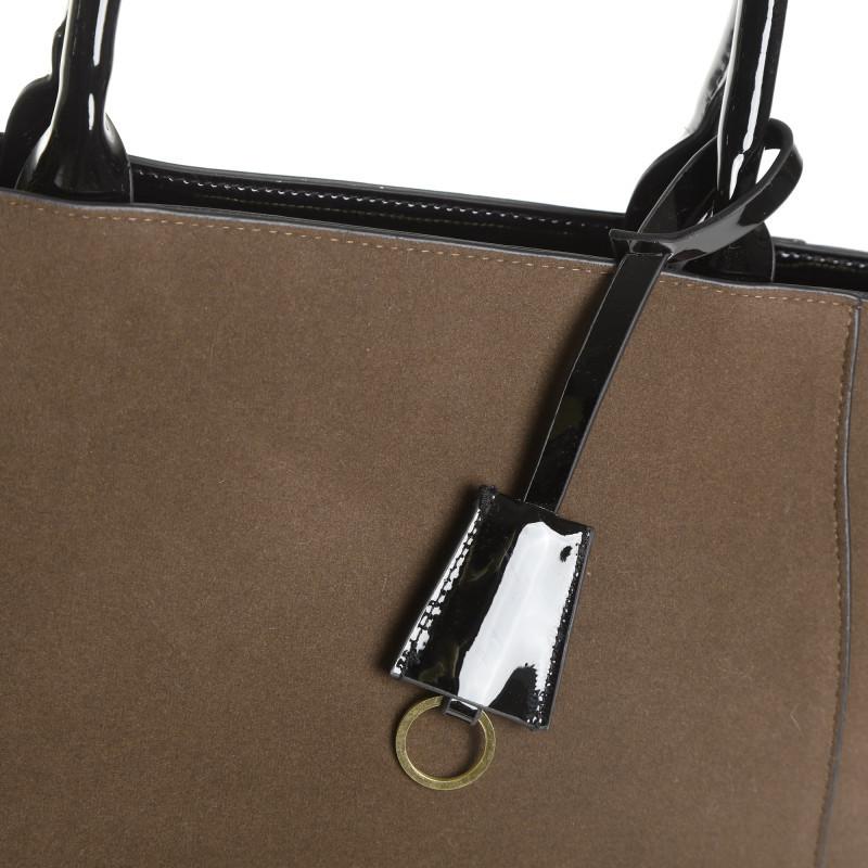 Dvojfarebná kabelka s odnímateľným remie