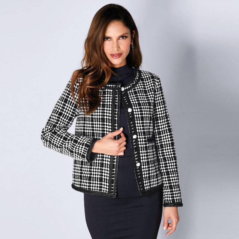 Elegantné sako s kockovaným vzorom