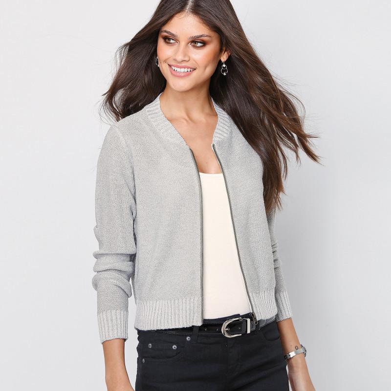 Trblietavý sveter na zips