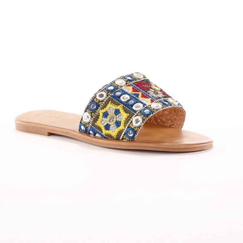 Sandále s výšivkou