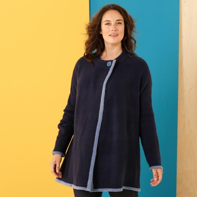 Dvojfarebný sveter plášť