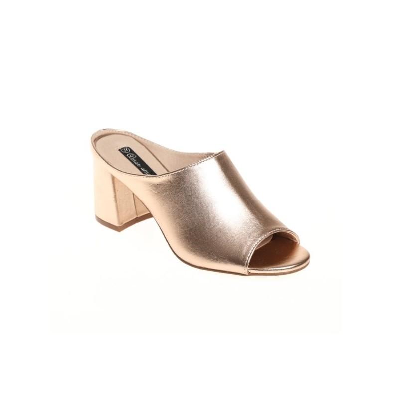 Trblietavé papuče na podpätku