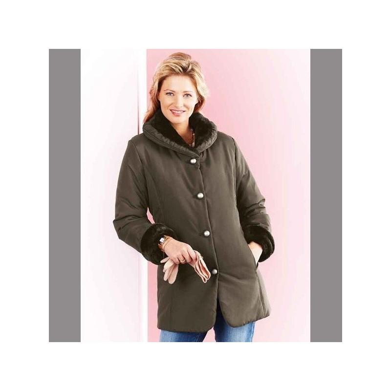 Kabát s golierom z imitácie kožušiny